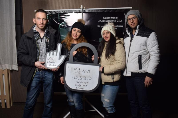 How to ensure safety for participants in escape rooms?