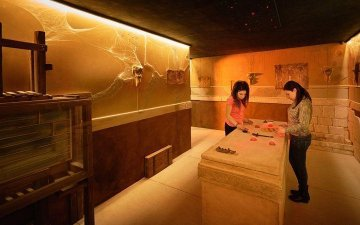 Are the escape rooms suitable for teambuilding and why?